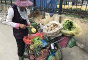 Đi xin cơm thừa, bà bán rau tiết kiệm 700 triệu làm hồi môn