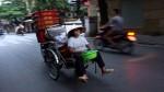 Người Hà Nội thảnh thơi trong tiết trời mát mẻ hiếm hoi