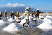 Nửa tạ muối 1 bát phở: Bữa sáng 'nặng đô' của nông dân