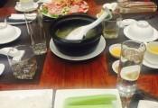 Hà Nội: Bữa ăn 'dưa chuột chẻ VIP' hết 26 triệu đồng
