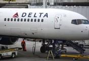 Nữ tiếp viên đấm nhau dữ dội, máy bay phải hạ cánh khẩn cấp