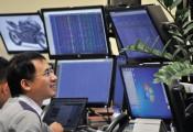 Ngược dòng ngàn tỷ: DN lỗ nặng, cổ phiếu tăng nóng