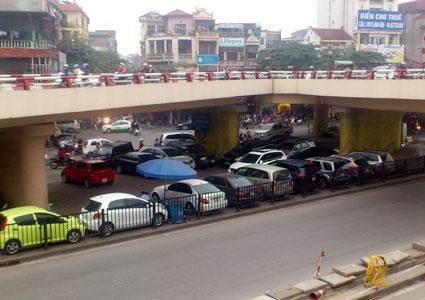 1/12: Hàng loạt người Hà Nội sẽ 'chạy loạn' lo chỗ đỗ ô tô